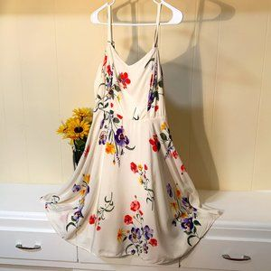 Old Navy Cami White flowered dress Floral Women M
